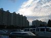 suburbia (raoul.ruoff) Tags: tokyo himmel architektur blau abendstimmung minaminagareyama wohnblöcke