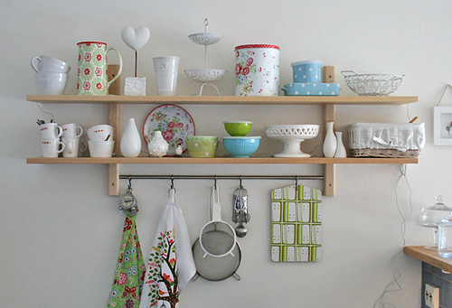 Spring inspired shelfs (by Craft & Creativity)