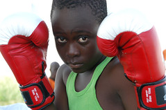 DSC_4814 (Fdration Ivoirienne de Boxe) Tags: fight ko westafrica boxing fib gong yop boxe westafrika ctedivoire ivorycoast abidjan boxen kampfsport ringgirls fightsport boxring elfenbeinkste sportfotografie sportphotography yopougon treichville boxsport faustkampf afriquedouest fdrationivoiriennedeboxe sportjournalismus placefigcayo figayo championnatnationaldeboxe