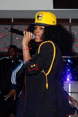 teyana taylor getting busy