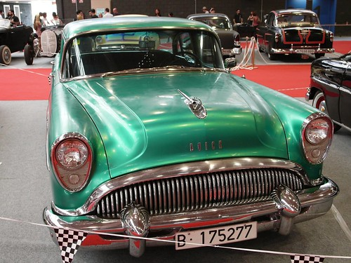 Buick '54 nailhead engine (by delfi_r)