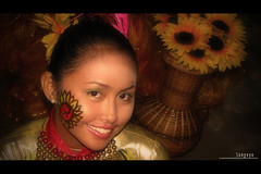 : pinta flores at aliwan fiesta 2008 (audiOscience!) Tags: flowers portrait people girl smile festival tattoo gold asia fiesta philippines manila filipina southeast luzon luneta pintaflores flickrexplore aliwan canonpowershots3is audioscience sangoyo aliwanfiesta2008 christianlucassangoyo