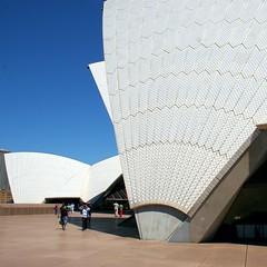 Opera House Detail (Heaven`s Gate (John)) Tags: sydney sydneyoperahouse australia architecture jornutzon johndalkin heavensgatejohn white tiles blue sky close up