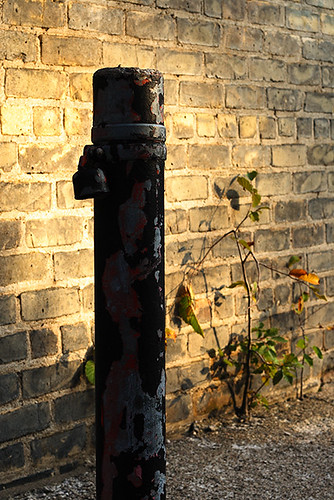 Bricks And Pole 4022