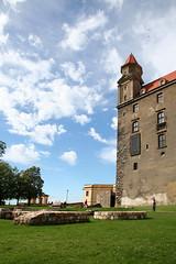 Bratislava castle (readk) Tags: green landscape perspective bluesky slovakia bratislava danube easterneurope greengrass snoozers kristyread graphicintent