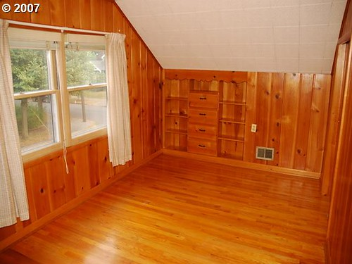 Upstairs bedroom - craft room to be