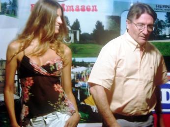 Maria José Lovrich -modelo- y Mateo Palmeri -conductor- desfilan en Radio-Imagen