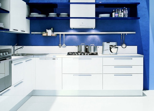 blue kitchen colors.  Photo credit Opening photo from Look Affecting Appetite with Kitchen Color Apartment Therapy