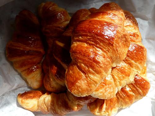 croissant pile