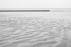 (vauka) Tags: light sea bw texture nature composition contrast quiet empty line northsea area dxo fr 32 tideland sehestedt 0049 agfa25