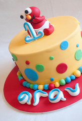 Arav's Elmo cake (Its A Cake Thing (Jho)) Tags: birthdaycake elmocake 1stbirthdaycake celebrationcake cakeforgirls elmobirthdaycake cakeforboys elmotopper