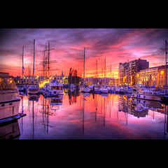 Just the way you are (Dimitri Depaepe) Tags: sunset sky water clouds boats oostende hdr ostend themoulinrouge eow magicdonkey artlibre aplusphoto flickrplatinum infinestyle thegoldenmermaid thegardenofzen thegoldendreams