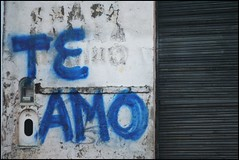(silkegb) Tags: wall pared graffiti iloveyou ichliebedich teamo testimo jegelskerdig jetaime tiamo nakupenda euteamo ikhouvanjou rwyndygarudi ngiyakuthanda  sebajlapersiana khhobdikhlib ekisliefvirjou inanyotherlanguages novaledeidiomasquesepasnobuscareninternet jaciekocham