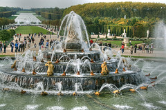Jardines de Versailles (marathoniano) Tags: city travel paris france green castle fountain garden landscape searchthebest fuente jardin loveit versailles francia fontaine chteau castillo globalvillage palacio polaris versalles outstandingshots marathoniano aplusphoto firsttheearth diamondclassphotographer