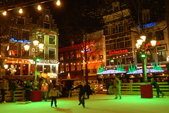 07B_0979 (Enrico Webers) Tags: holland ice netherlands dutch amsterdam iceskating skating nederland rink nl leidseplein ams 2007 niederlande 200711