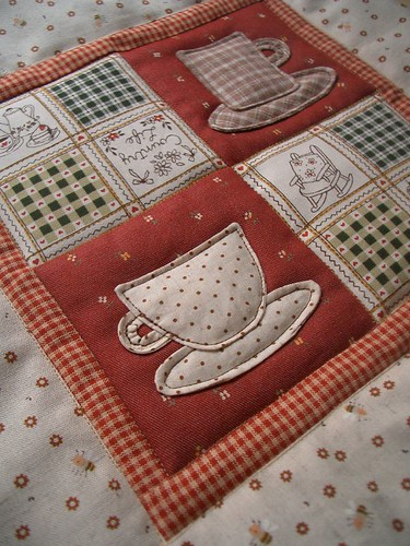 Teacup mini Quilt by PatchworkPottery.