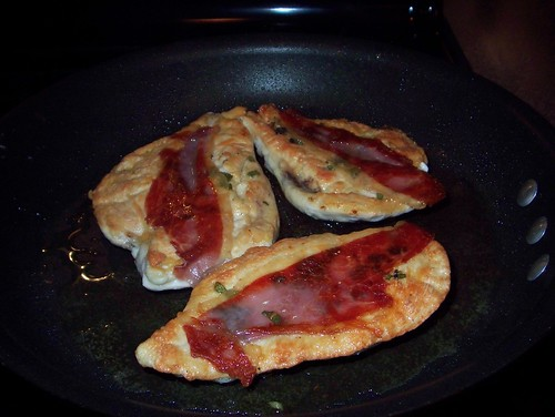 chicken saltimbocca in pan