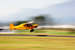 Landing (Blyzz) Tags: blur plane airplane southafrica cub photo airport blurry aeroplane landing howto instructions panning nationwide instruction airstrip stellenbosch actionshot aerodrome westerncape panshot fash flyingclub airlfield stepforstep zudvr dwcffpanning