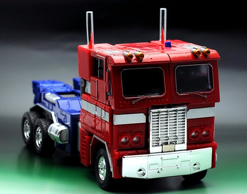 optimus prime toy truck mode