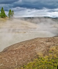 Steam Oct 16, 2011, 2-29 AM_edit (krossbow) Tags: uppergeyserbasin yellowstonenationalpark photolemur
