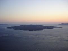 The famous sunset (again) (Panos Bobolas) Tags: sunset volcano ray santorini greece wysiwyg