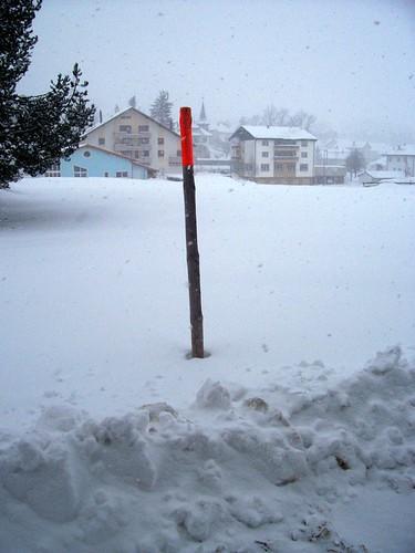 Snow marker