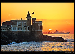 Atardecer en el Castillo Wulff (B'Rob) Tags: chile city travel light sunset sea orange streetart color tower art tourism beach water true garden atardecer photography valparaiso mar photo yahoo google nikon flickr paradise via picture jardin ciudad playa tourist colores best cielo wikipedia eden omg valparaso paraiso hdr jardn mejor viadelmar chilean vregion d40 brob top20travelpix brobphoto