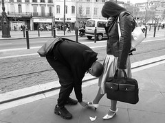 This guy found his Cinderella (i'm happy) Tags: life street people bw marseille citylife canebire