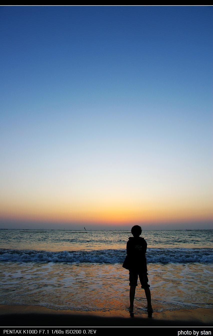 黃金海岸的金黃夕陽