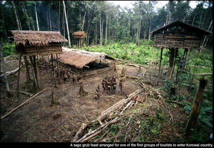 28 imágenes sorprendentes de un pueblo que aún vive en los árboles | Tree People por George Steinmetz ceslava 21