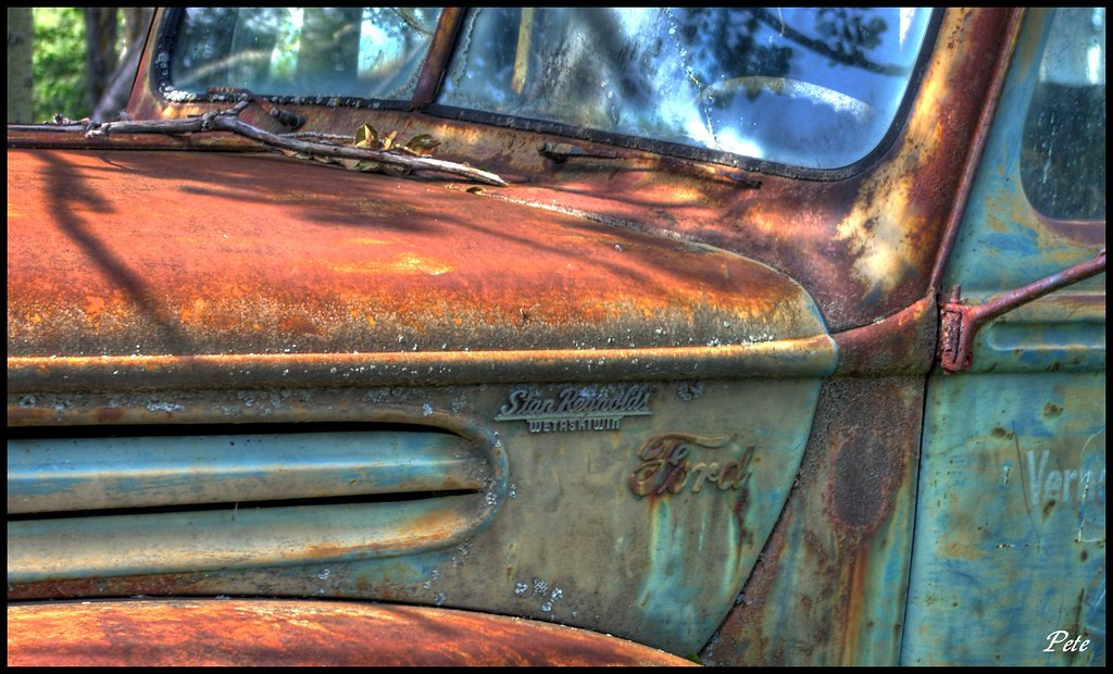 HDR #120 - 1947 Ford Close-up