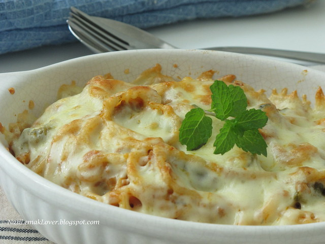 Baked Spaghetti with meat sauce