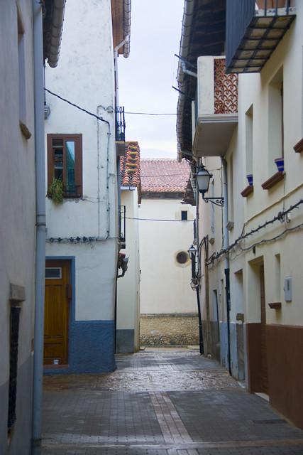 Curios forma de las casa en la Calle Alta de Villafranca del Cid