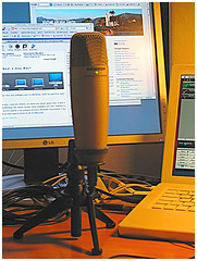 podcast station new mic stand