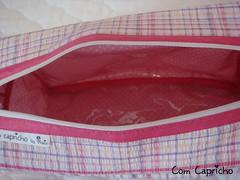 Necessaire Ba G Xadrez Pink 3 (Com Capricho) Tags: pink bag handmade sewing flor rosa craft bolinhas boto viagem feltro pois lils florzinha xadrez capricho costura ba necessaire comcapricho necessaireba