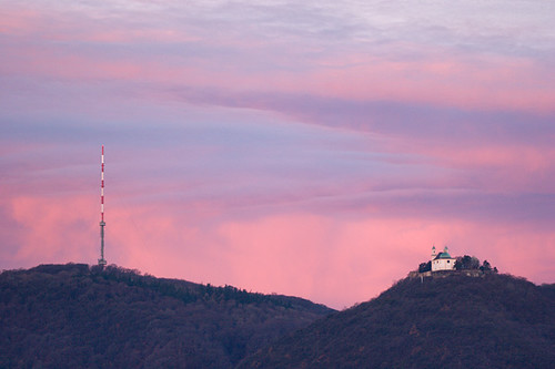 Pink clouds over Kahlenberg and Leopoldsberg (Vienna)