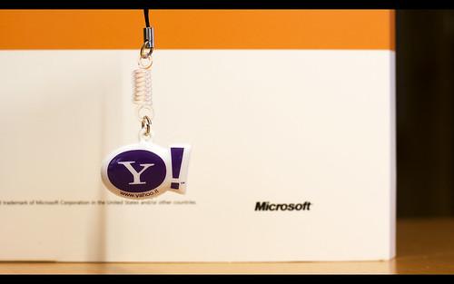 wallpaper yahoo. Microsoft amp; Yahoo (wallpaper)