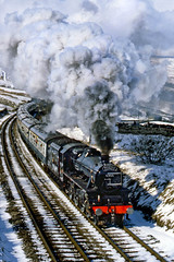 5305 Ais Gill (geoffspages) Tags: snow cold coach smoke engine railway steam locomotive black5 uksteam