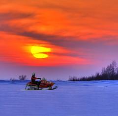 driving home (Henri Bonell) Tags: winter sunset sea finland evening lumi snowmobile snowmobiling jää outstandingshots bothnianbay perämeri mywinners abigfave bottenviken platinumphoto henribonell superbmasterpiece diamondclassphotographer flickrdiamond icysea drivingsnowmobile