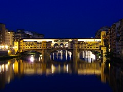 Ponte Vecchio, notturna (Marcot77) Tags: longexposure italy reflection night river florence italia fiume bynight tuscany firenze arno toscana riflessi notturna notte pontevecchio oldbridge 32s mywinners abigfave holidaysvacanzeurlaub