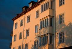 Light & Dark (Rutger Blom) Tags: windows sunlight house building public clouds facade dark evening wolken ramen huis avond hus donker gebouw zonlicht gevel moln mrk fönster kväll mörk fasad byggnad kvll solljus fnster