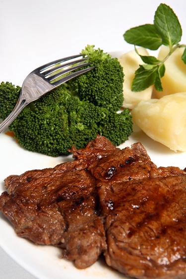 bigstockphoto_Grilled_Ribeye_Beef_Steak_Broc_2680009