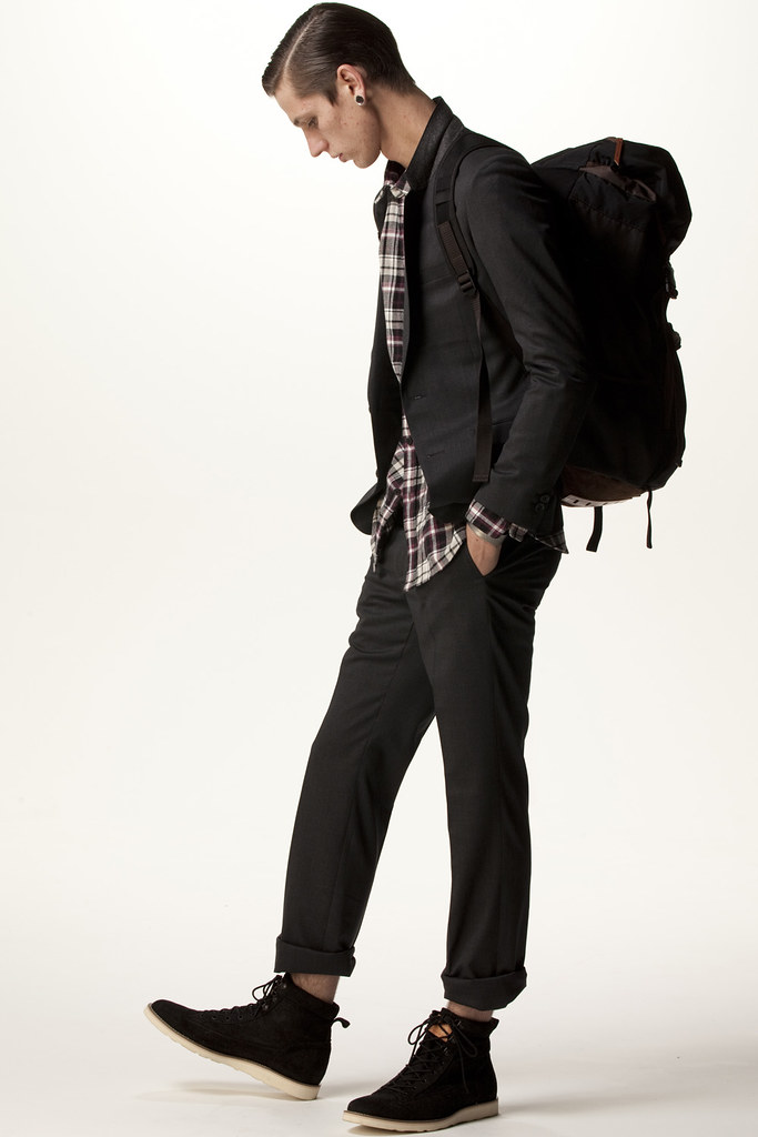 FACTOTUM HOMME 2011 SS 002_Tommy Cox