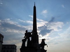 SILHOUETTES OF ANCIENT ROME FULL OF GORGEOUS PLACES AND HISTORY (mjose_almeida(have a good day/night/catching)) Tags: sky rome roma history beautiful statue clouds contraluz landscape happy ancient nikon holidays gorgeous silhouettes lovely iloveit contraluce nikond40 mjosealmeida piazzadequirinale squareofquirinale