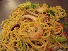DSC01481 (meemalee) Tags: food japan tokyo ginger kyoto tasty shrimp pasta delicious meal kawaii octopus noodles soba oishi spaghetti yakisoba gari tako prawn scallion negi springonion meemalee meemaleeskitchen wwwmeemaleeblogspotcom