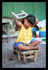 la nia tai (cesareolarrosa) Tags: viaje portrait baby color cambodia retrato tailandia nios tai silla camboya niosydetalles retofz080312 fzfave