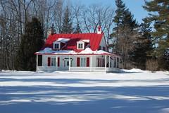 07_03_07_Maison qubcoise, Lanaudire (passetemps) Tags: winter red house snow canada rouge nikon quebec hiver qubec neige maison d40 lanaudire