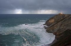 Cabo Vidio, Asturias (Spain) (elosoenpersona) Tags: sea costa lighthouse storm verde beach weather clouds faro mar spain cabo waves stormy asturias playa nubes tormenta cape olas cantabrico occidente vidio elosoenpersona decojones tormentazo