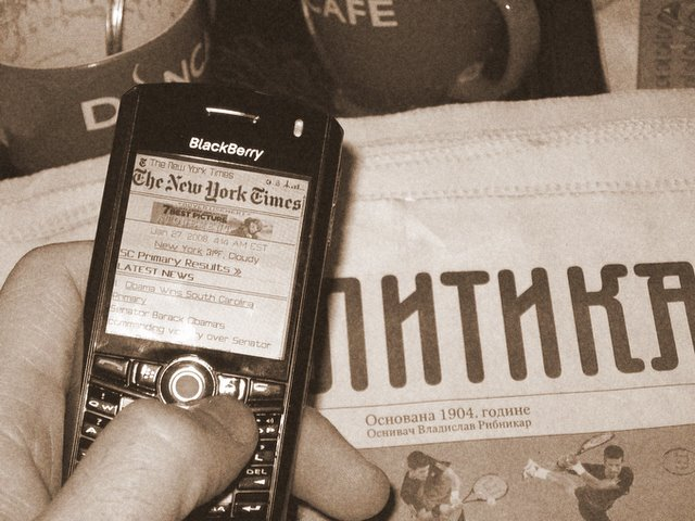 Blackberry 8100 Pearl & Politika (Политика) & NY Times