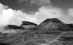 gunung batok (M3R) Tags: cloud mountain canon indonesia smoke gunung bromo batok eastjava canonef24105mmf4lisusm 400d cemorolawang photofaceoffwinner photofaceoffplatinum seaofsands lautanpasir mariaismawi